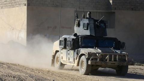 القوات العراقية تنجح في عزل مدينة الموصل عن باقي المحافظات