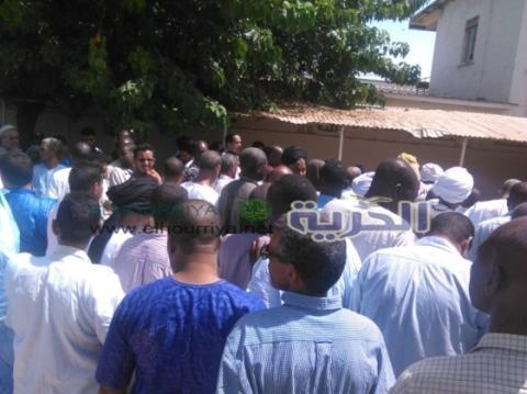بالفيديو: دفن ''الحضرامي'' بطلب من ذويه في غامبيا (تفاصيل)