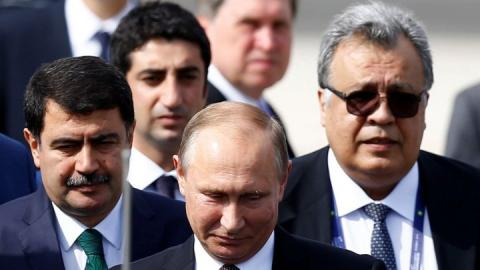 اغتيال اندريه كارلوف بداية غرق بوتين