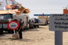 الجمارك المغربية توقف حافلة موريتانية بداخلها 8300 هاتف مهرب بالمعبر الحدودي الكركرات